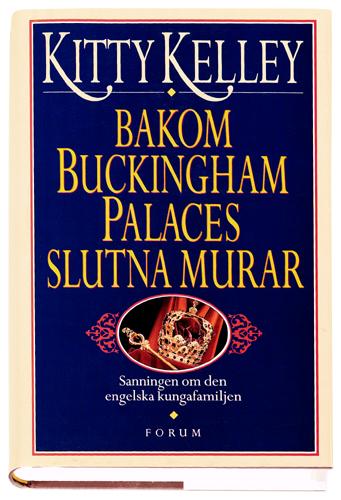 Bakom Buckingham Palaces slutna murar