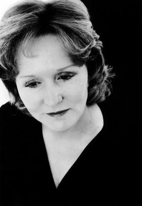 Julia Wallis Martin