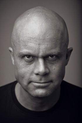 Erik Bertrand Larssen