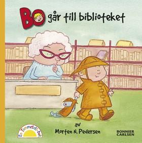Bo går till biblioteket