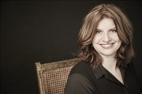 Simona Ahrnstedt